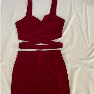 2-Piece burgundy skirt set